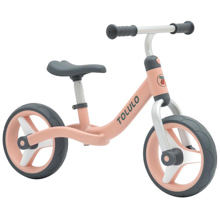 אופני איזון אלומיניום קלים במיוחד עם גלגלי גומי ורוד