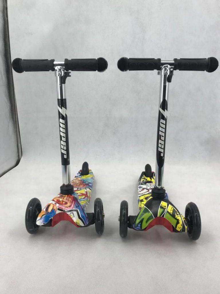 קורקינט 3 גלגלים גרפיטי של חברת VIPER